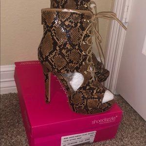 Gorgeous dress sandals